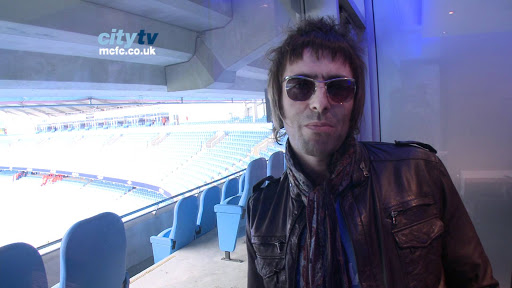 Liam Gallagher takes aim at Liverpool on Twitter yet again but gets ruined
