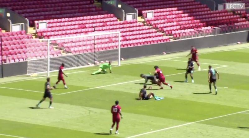 (Video) Keita & Jones sit down 4 defenders with beautiful footwork in training match