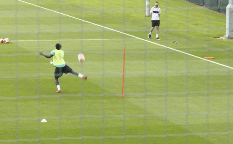 (Video) Van Dijk and Mane show off jaw-dropping touch from the high-ball at Melwood
