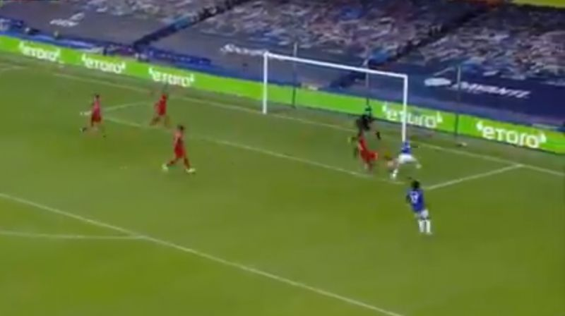 (Video) Vital Gomez block denies certain Everton goal with ten minutes left on the clock
