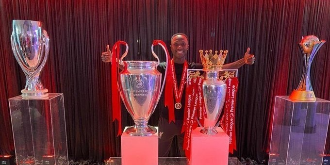(Photo) Keita goes full boss mode with unreal PL, CL, Super Cup & Club World Cup snap