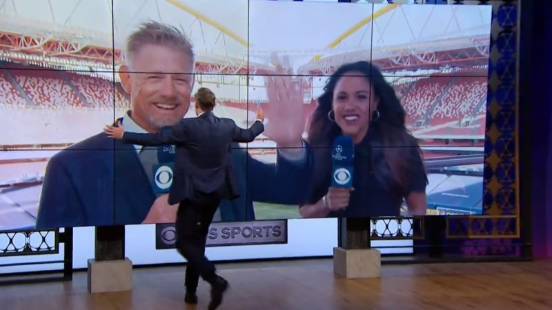 "(Video) Carragher and Schmeichel settle ""feud"" on live TV"