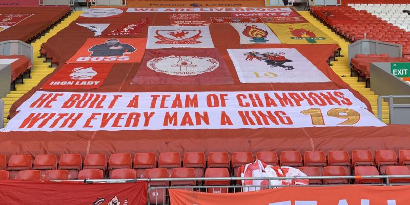 (Photos) New banners appear on the Kop ahead of Blackpool friendly at Anfield