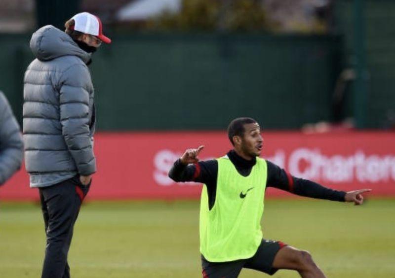 (Video) Thiago makes Jurgen Klopp burst out laughing in training