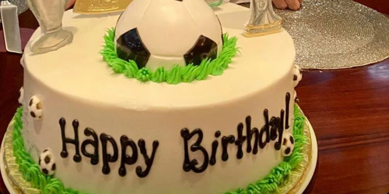 (Photo) Liverpool fans will want to see John Henry's birthday cake