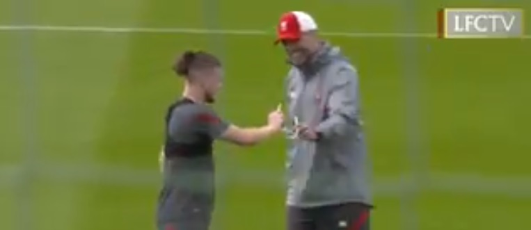 (Video) Elliott tries on Klopp's glasses before scoring from the half-way line
