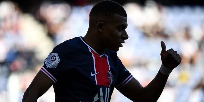 Liverpool are 'hovering' over Kylian Mbappe, who is in line to move next year – report