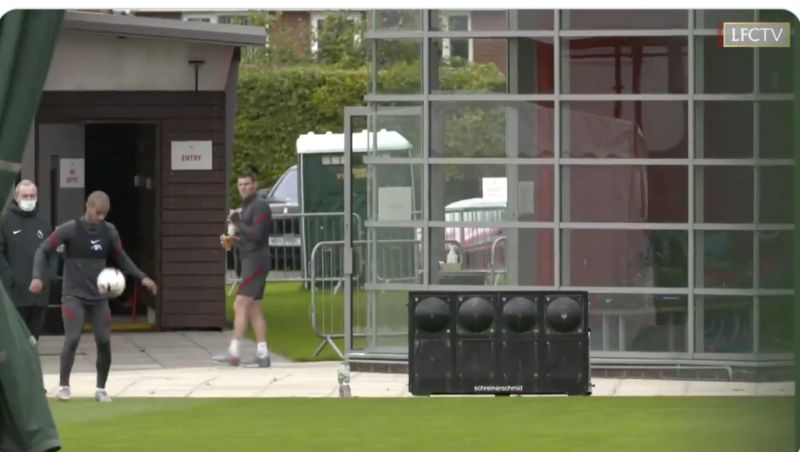 (Video) James Milner stops dead to watch Thiago's trickery… and it's amazing
