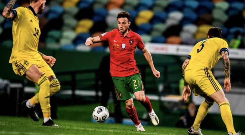 Wolves fan raging Diogo Jota has 'turned into prime R9' since Liverpool switch