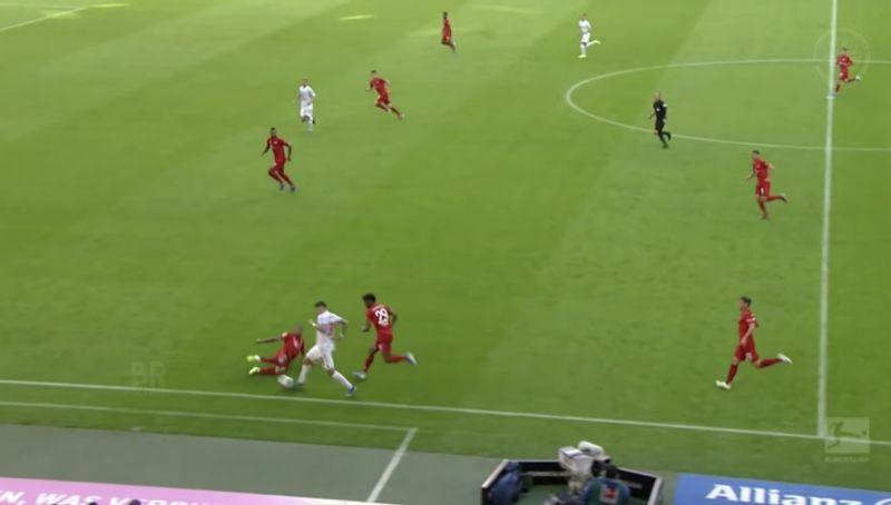 (Video) Nobody realises how good at tackling Thiago is…