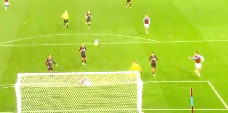 (Video) Adrian's keeping so bad Carra starts laughing, as Spaniard runs away from ball in bizarre clip