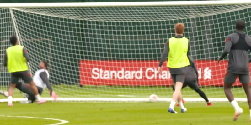 (Video) Youngsters Elliott & Koumetio have Alisson scrambling on his line in training