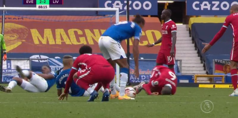 (Video) Gomez's reaction to Richarlison's horror tackle on Thiago says it all