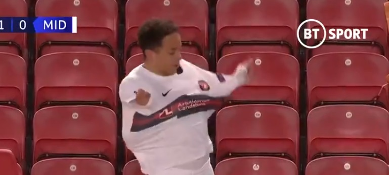 (Video) Funny moment Midtjylland player seemingly forgets how to put a shirt on