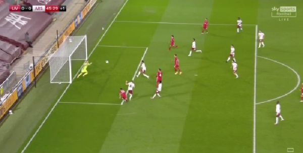 (Video) Minamino rattles the crossbar from three yards out after Jota goes close