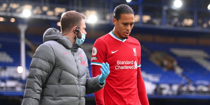 Liverpool send van Dijk to see a specialist amid fears of lengthy absence – report
