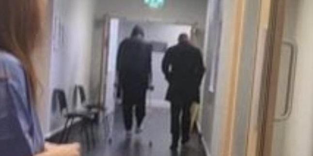 (Photo) Virgil van Dijk leaves hospital on crutches after scan for knee injury