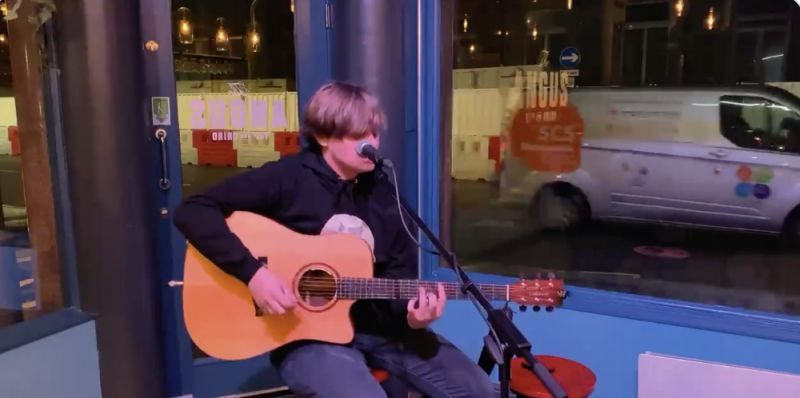 (Video) Jamie Webster's acoustic version of the Thiago tune is absolute boss