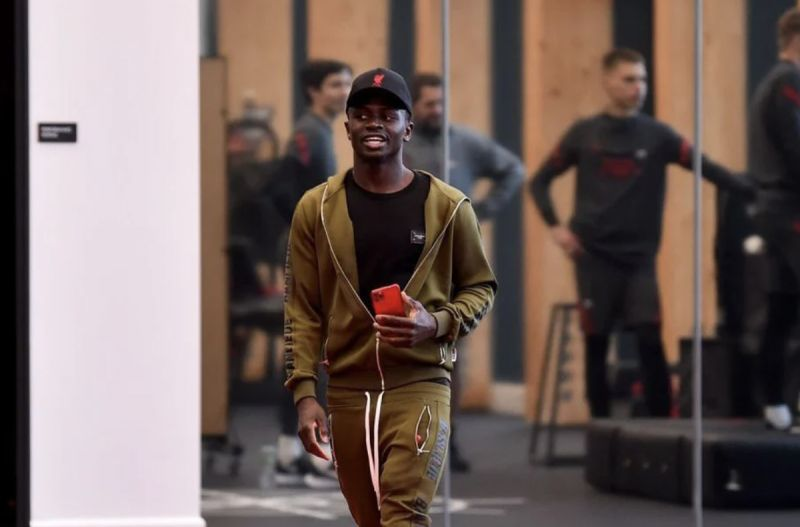 (Image) Sadio Mane's face as he enters LFC's new training ground for first time is beautiful