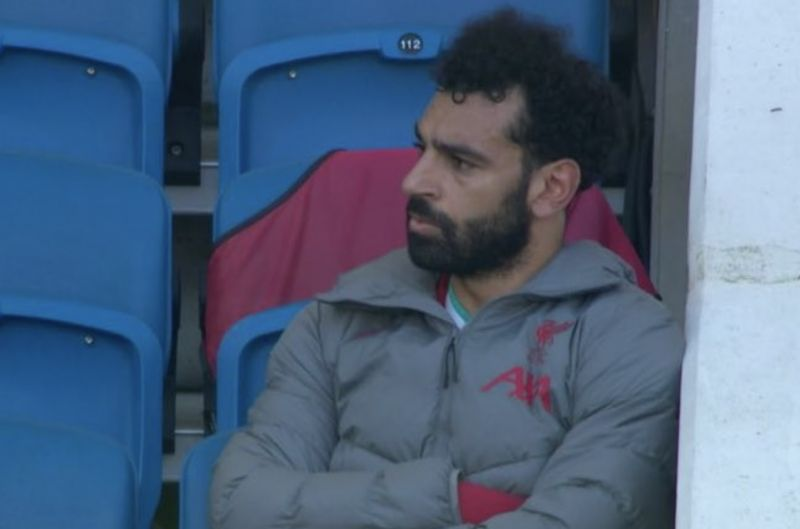 (Video) Mo Salah raging at being subbed off: Ignores Klopp and Hendo after his no.11 comes up on board