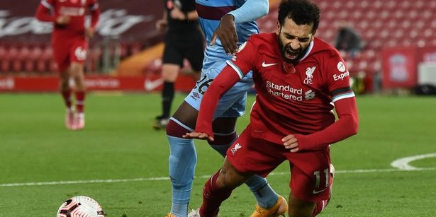"(Video) Klopp ""doesn't understand"" Salah criticism for penalty incident; reveals Egyptian has knock from foul"