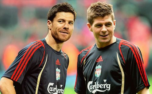The advantage that could allow Xabi Alonso to beat Steven Gerrard to LFC role