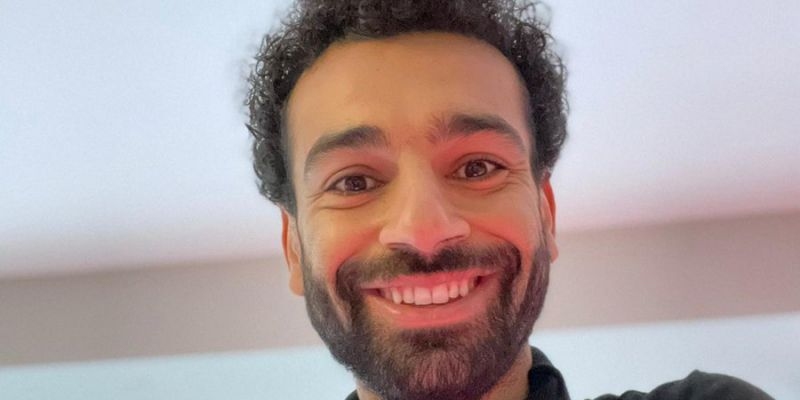 (Photo) Mo Salah shares smiley selfie amid rumours he's unhappy at Liverpool
