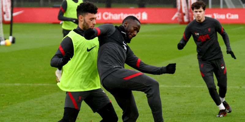 (Photos) Two Liverpool midfielders resume full training ahead of Crystal Palace clash