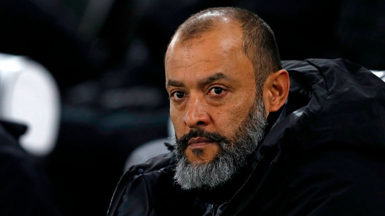 Wolves boss clashes with Klopp over substitutions