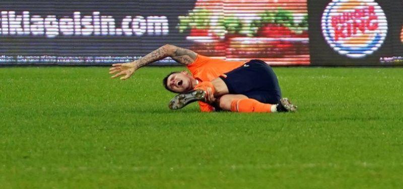 (Video) Martin Skrtel stretchered off after suffering freak injury