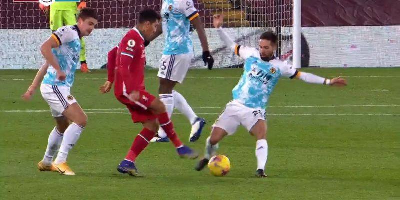 (Video) Roberto Firmino destroys João Moutinho with outrageous nutmeg