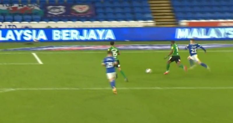(Video) Liverpool winger shows strength to hold off defender and score in promising loan spell
