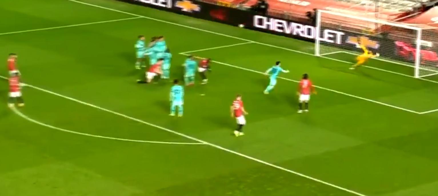 (Video) Alisson's positioning questionable in Fernandes' free-kick winner