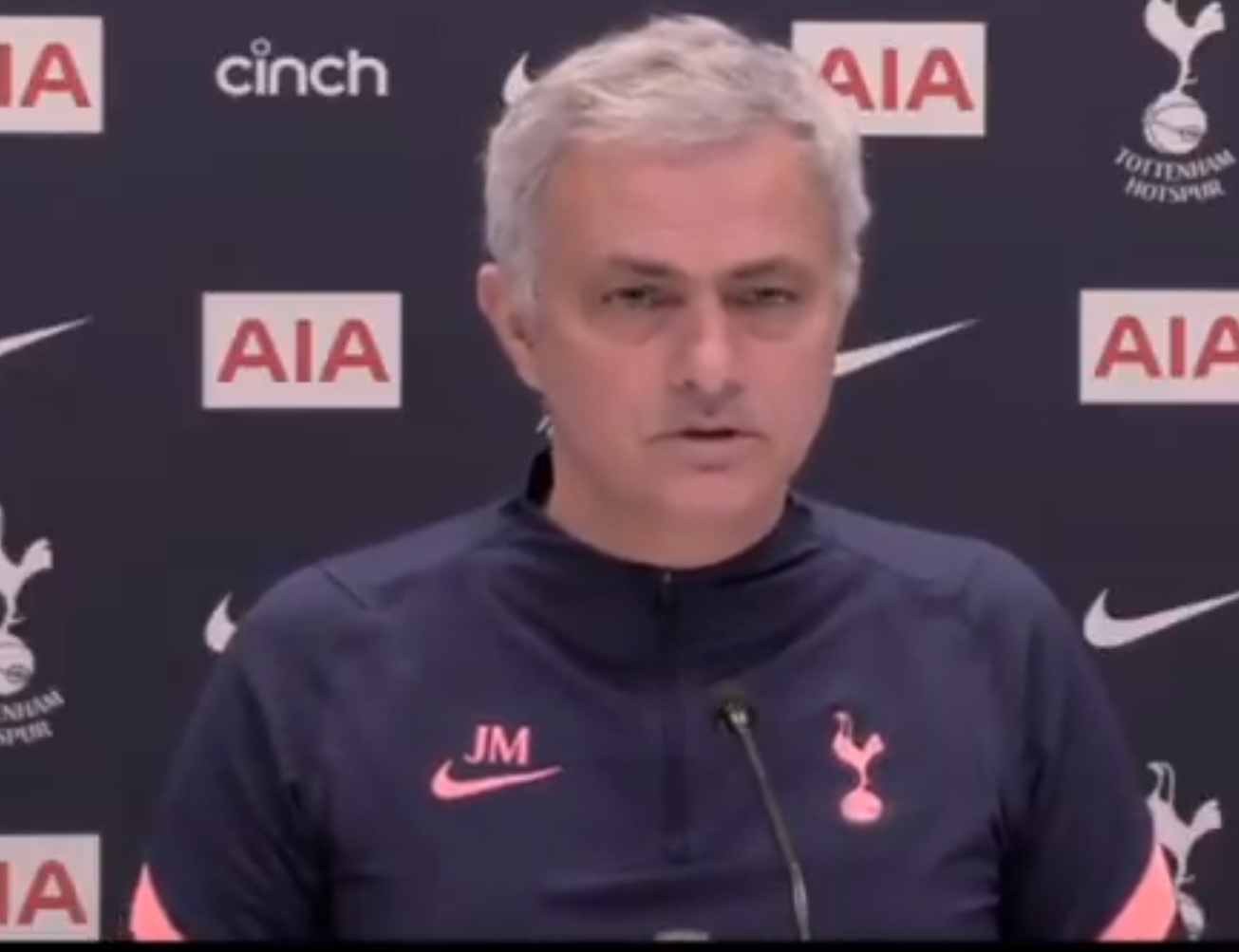 Mourinho weighs in on Liverpool signing a centre-back debate