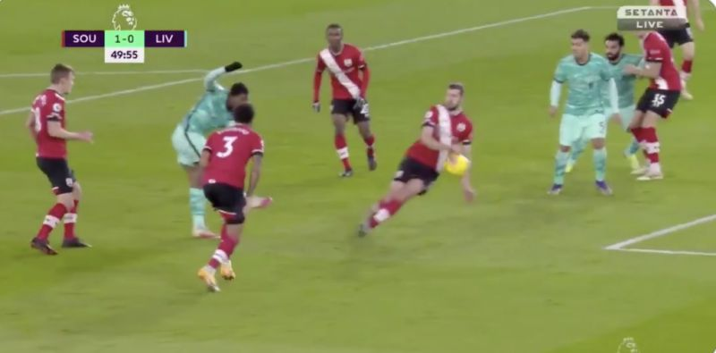 (Video) Absolute Joke: Liverpool denied penalty for obvious handball v Southampton