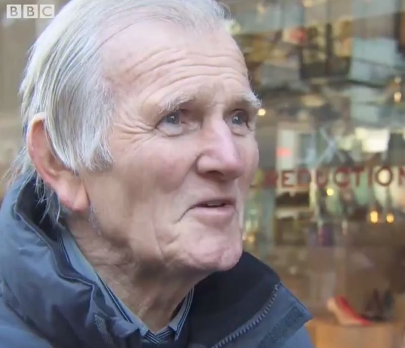 (Video) Remembering when Liverpool legend Tommy Lawrence shocked a journalist