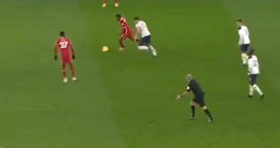 (Video) Wijnaldum skins Lamela with brilliant double-turn