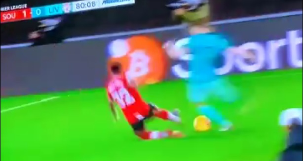 (Video) Liverpool fan questions how Southampton player wasn't sent off for this tackle