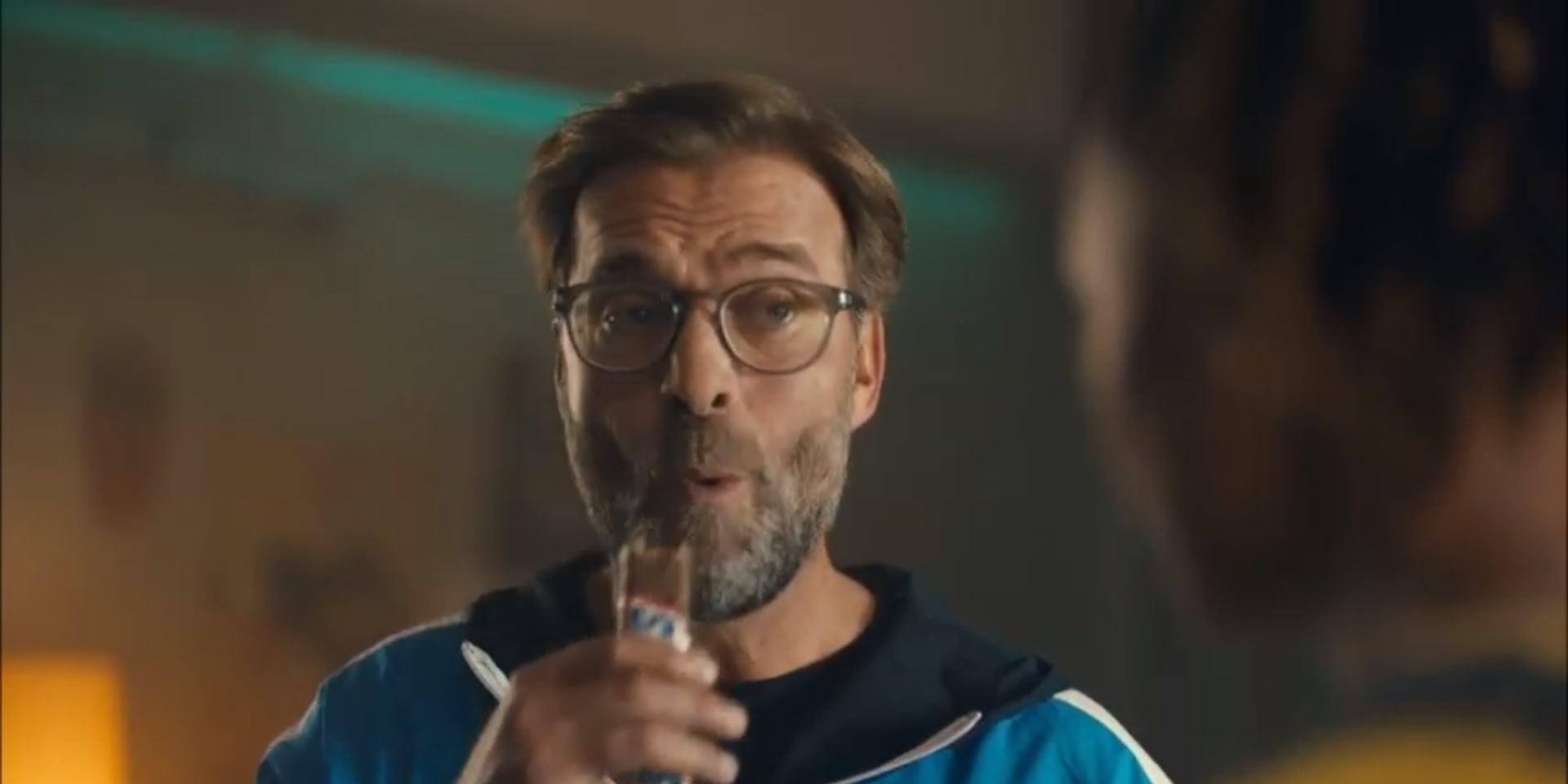 (Video) Klopp loses his temper with table football players in hilarious Snickers ad