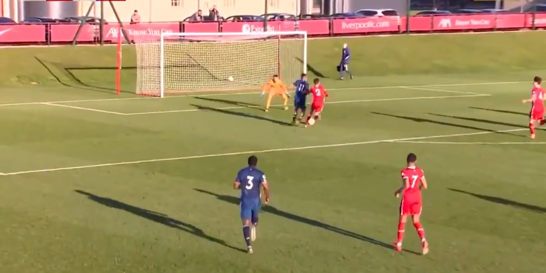 (Video) Rapid Liverpool youngster's ridiculous recovery to deny goalscoring opportunity as U23s put Arsenal to the sword