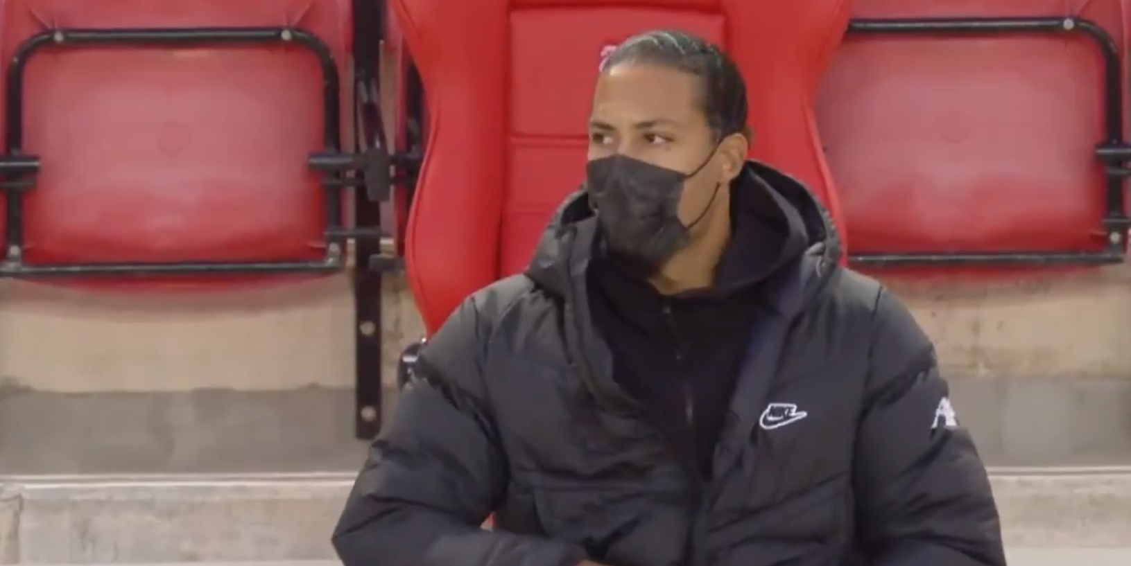 (Video) Virgil van Dijk makes a return to the stands for the Merseyside derby