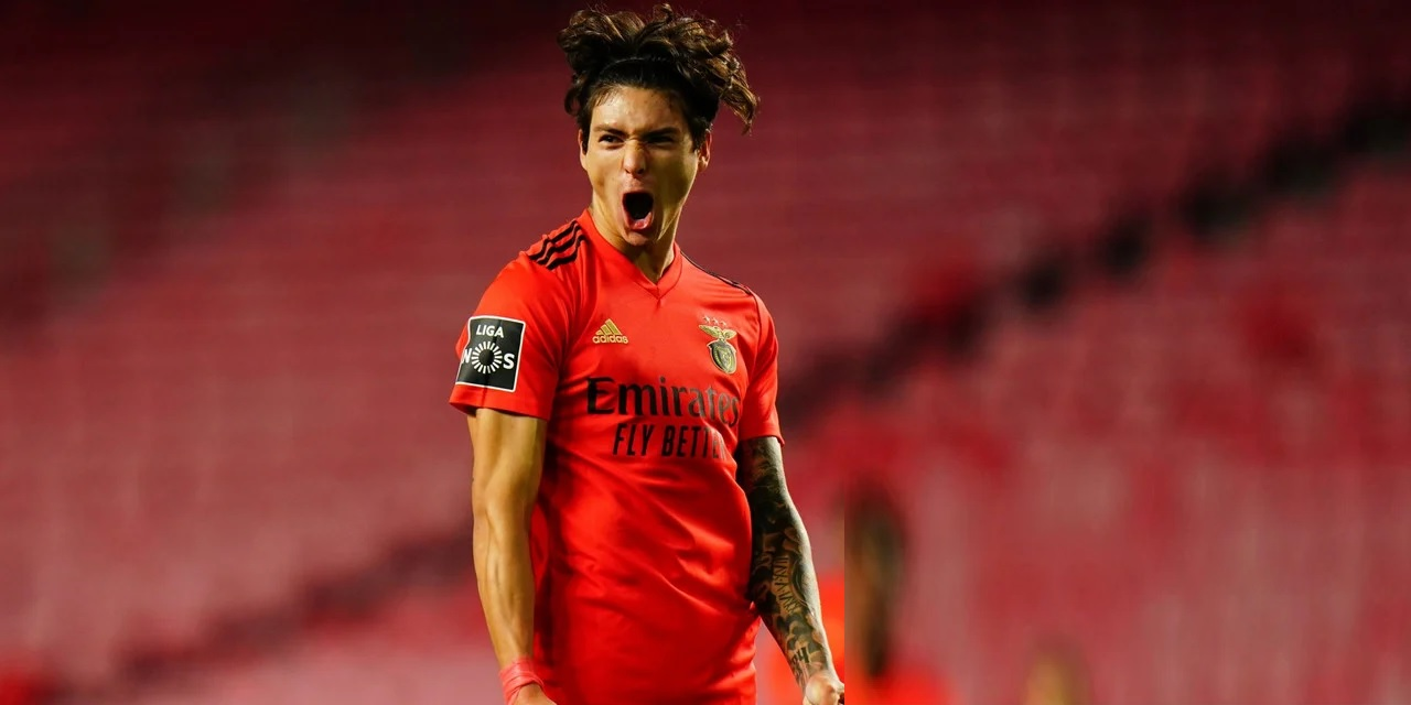 Liverpool tipped to move for Benfica hotshot compared to Luis Suarez