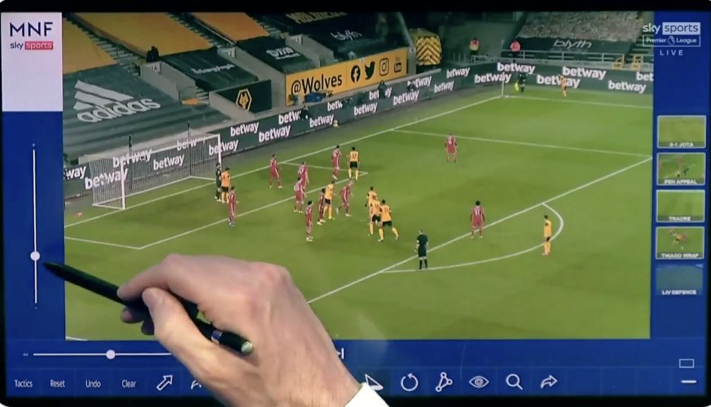 (Video) 'They help each other out…' Carra's excellent analysis of Phillips/Kabak clean-sheet