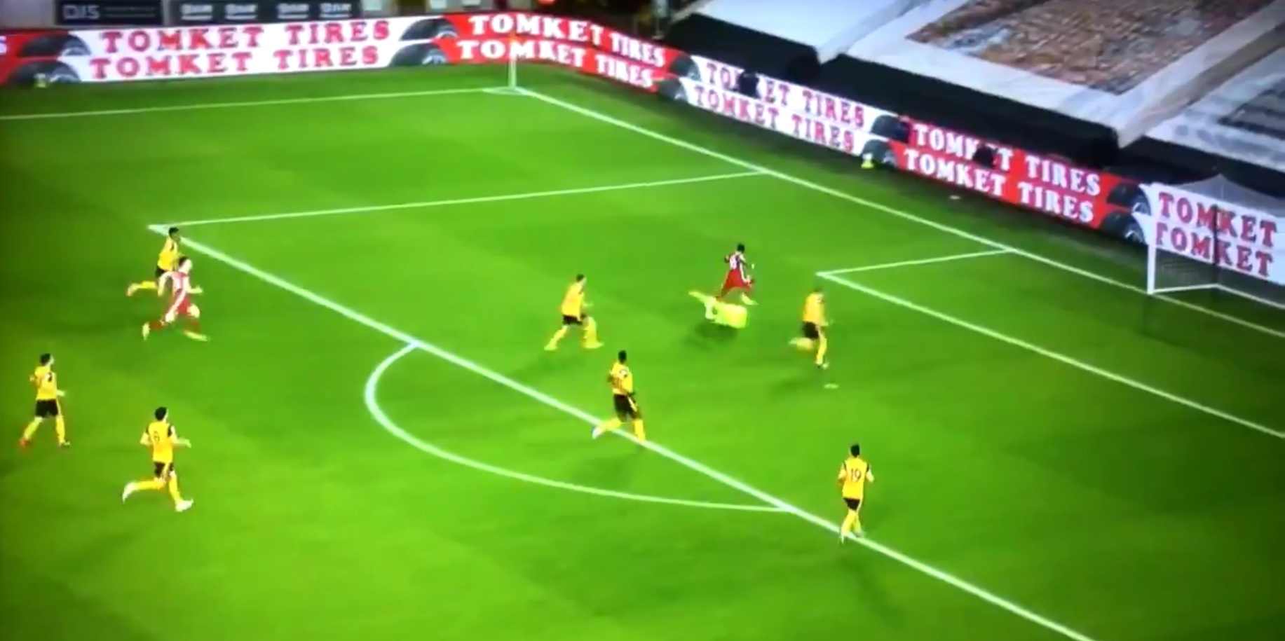 (Video) Mane fluffs golden chance for Liverpool after brilliant Thiago & Wijnaldum move