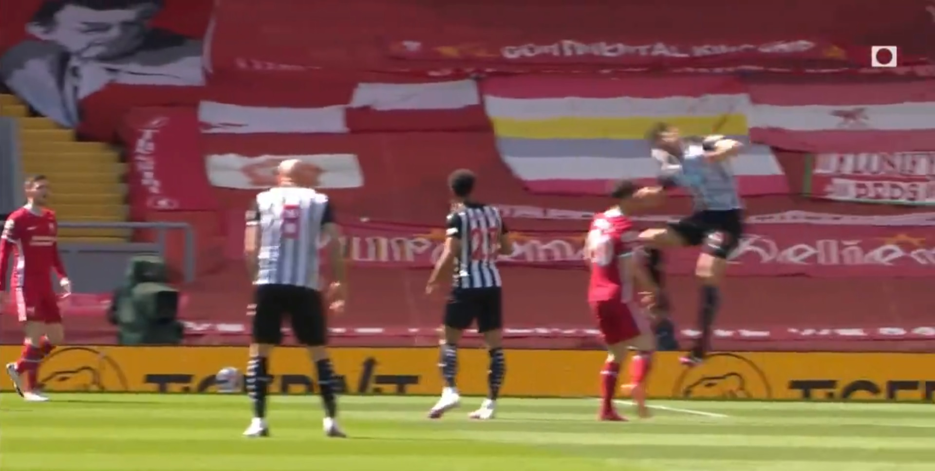 (Video) VAR horror show continues as Fernandez elbow on Jota only earns a yellow