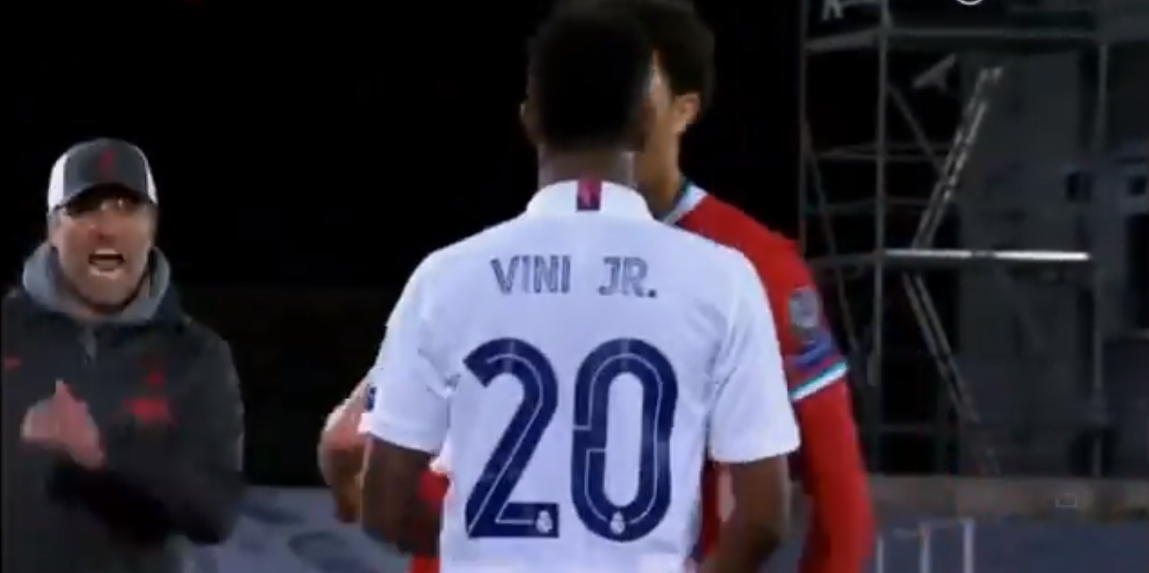 (Video) Klopp rushes to break up potential scuffle after Vinicius shoves Trent