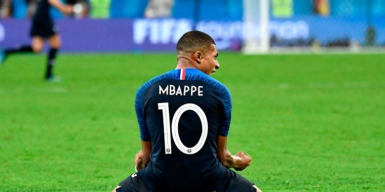 PSG fear Mbappe loss on a free; French outfit prepared to consider offers of £102m-127m for reported LFC target – Le Parisien