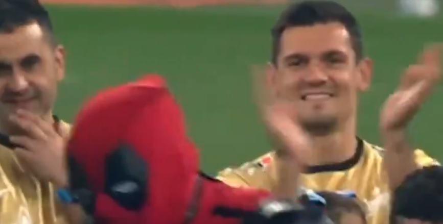 (Video) Dejan Lovren beaming as Zenit teammate dresses up as Deadpool to collect Russian Premier League medal