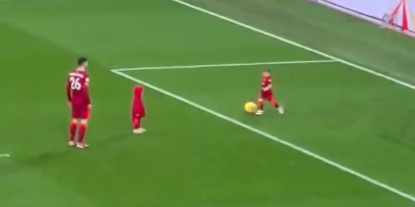 (Video) Robertson's kids play football with him on Anfield turf in wholesome clip