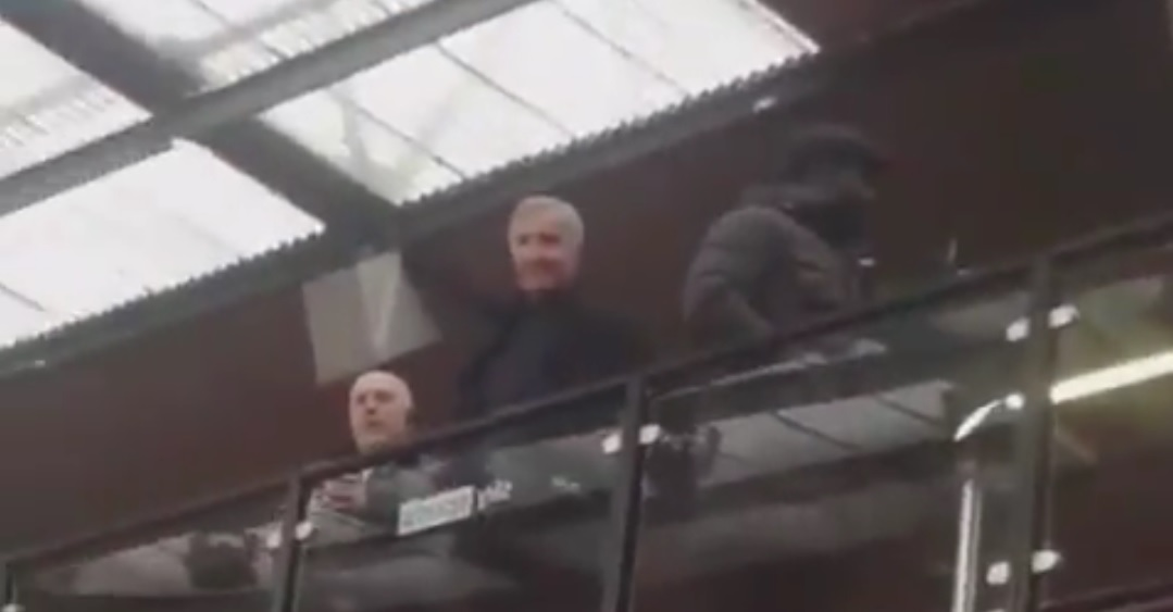 (Video) Graeme Souness smirks at Man United fans hurling abuse at him